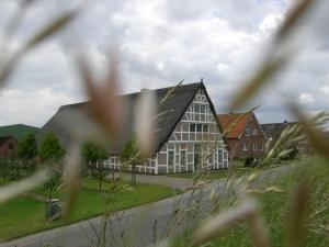 Altes Land -prächtige Fachwerkhäuser und Obsthöfe