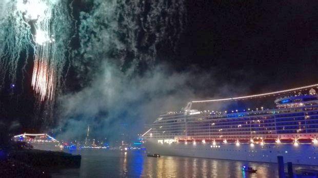 Foto Cruise Days Feuerwerk