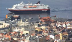 Norwegen-Kreuzfahrt mit Hurtigruten-Schiffen ab Bergen