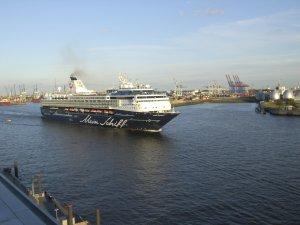 """Die """"alte"""" Mein Schiff in Hamburg"""